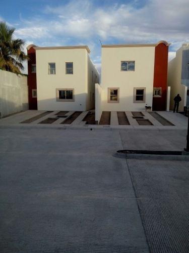 Casa En Venta En Col. Zarco, Con Recámara En Planta Baja