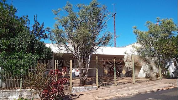 Ampla Casa Térrea Com Aquecedor Solar E Piscina E 02 Jacuzzi