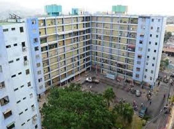 Apartamento En Venta Barquisimeto 19-17844 Rb