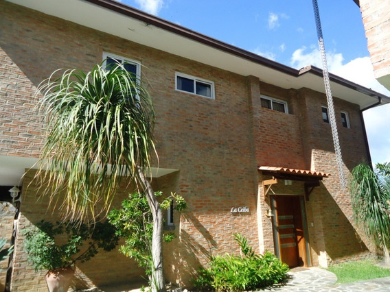 Se Vende Casa 353m2 3h/5b/3p La Lagunita