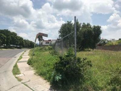 Kl/ Súper Terreno Habitacional En Venta, Esquina. Juriquilla. Qro.