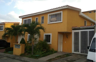 Oportunidad Townhouse Vista Dorada