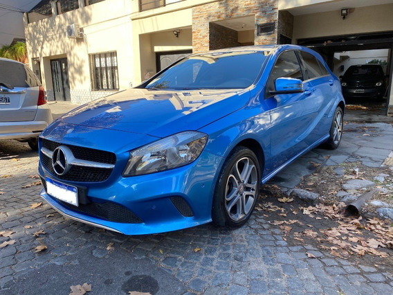 Mercedes Benz A200 Urban Automatico 2016 Azul Electric