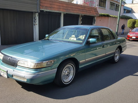 Ford Grand Marquis Piel/digital