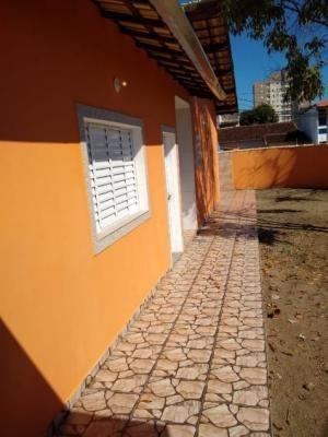Casa Localizada No Bairro Savoy Em Itanhaém, Ref. C0033 L C