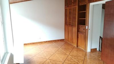 Venta De Casa En Alcazares, Manizales