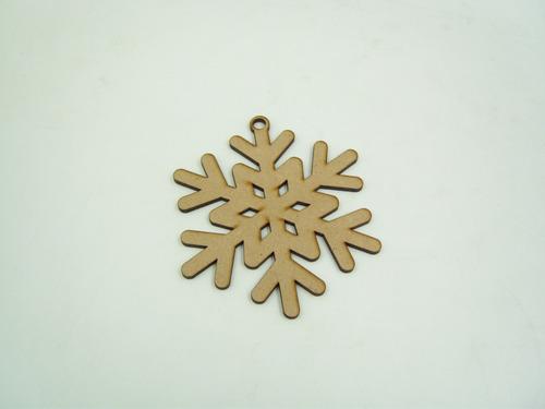 Imagen 1 de 8 de Copos De Nieve Decorativos Mdf Para Árbol Navideño 10 Piezas