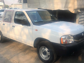 Nissan Np300 2.4 Pick-up Dh Mt 2014