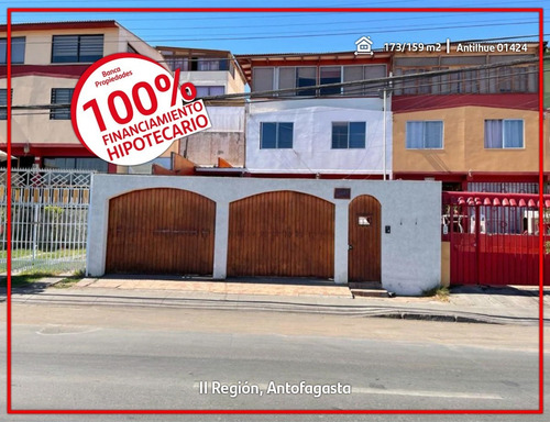 Imagen 1 de 8 de Amplia Casa Con Vista Al Mar