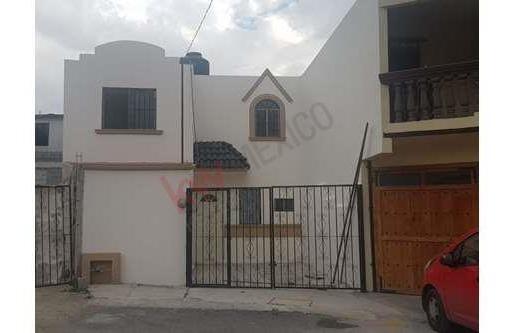 Casa En Venta En Al Oriente De Ramos Arizpe, Colonia Del Valle