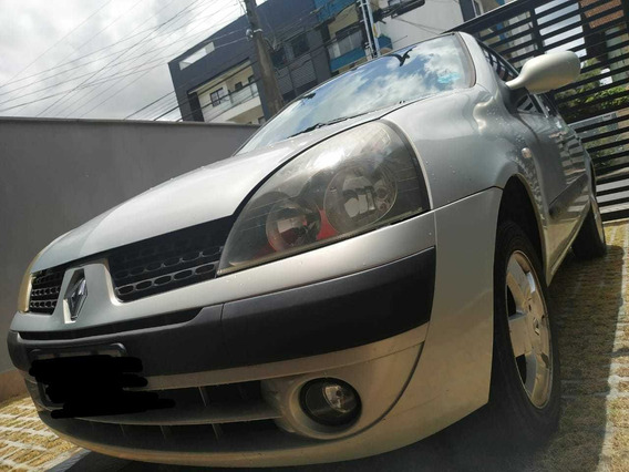 Renault Clio Hatch Privilege 1.0 16v 2003