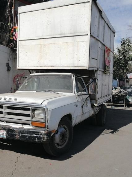 Dodge 1990 .