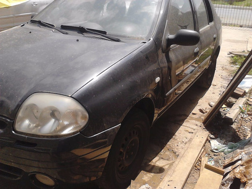 Sucata Clio Sedan 2002 Em Peças