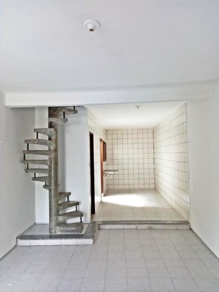 Aluguel Casa 2 Quartos, Próximo Avenida Pontes Vieira