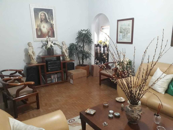 Casa Em Baependi Mg, Terra De Nhã Chica, Com 04 Quartos , Terreno 1.000 M2, Com Comercio Alugado Em Baixo. - 310
