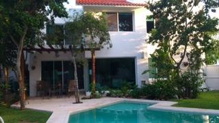 Casa En Venta En Privada Los Olivos