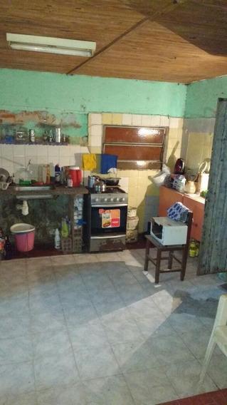 Casa En Venta De 3 Dormitorios, Parque. Cochera