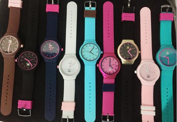 Relógio Feminino Kit C/10 Und + 10 Baterias Promoção