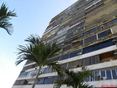 Apartamento En Venta La Guaira En Catia La Mar Edo Vargas Cg