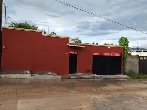 Casa Sola En Venta Col. Orquidea