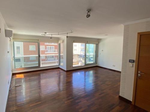 Venta Apartamento 3 Dormitorios Y Servicio En Punta Carretas