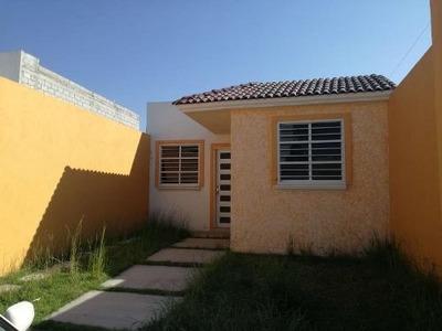 Casa Sola En Venta El Saucilo, Aceptamos Todos Los Creditos, Ideal Para Fovisste, Buena Ubicación.