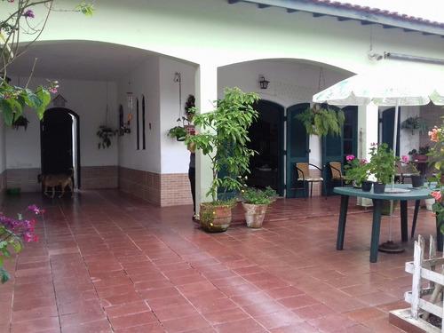 Casa Com Edícula, No Bairro Belas Artes, Em Itanhaém - 2465