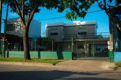 Colon 2 Preciosas Casas A Pasos De Garzón Y Terminal