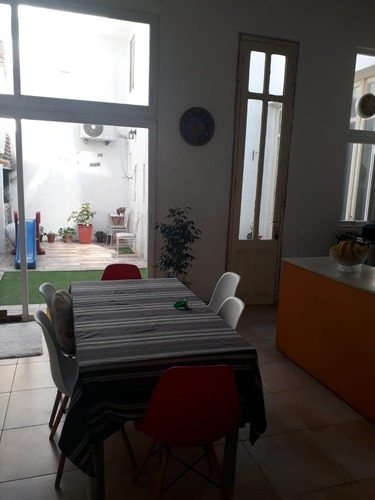 Hermosa Casa  ,ubicada En Silvestre Blanco Y Rivera .