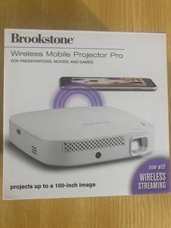 Proyector Portátil Brookstone Wireless 200 Lumens