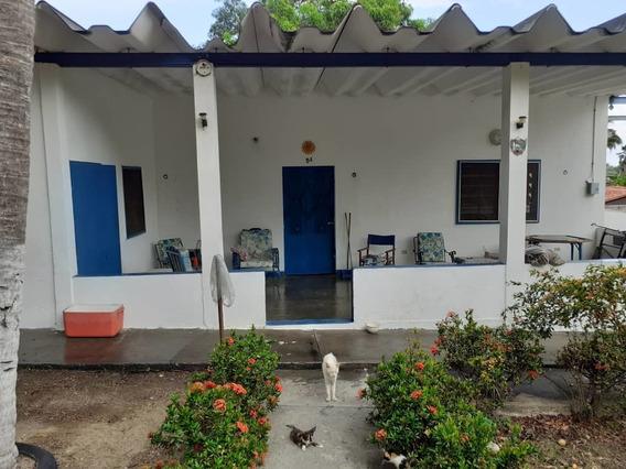 Comoda Casa En Venta En Ocumare De La Costa 04243154361