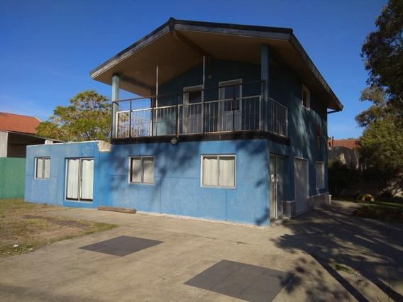 Casa De 2 Pisos, Ideal Para Comercio, Muy Buena Ubicacion