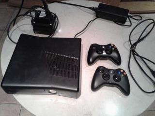 Xbox 360 Slim 4gb+ 2 Joystick + Disco 250g Con 33 Juegos