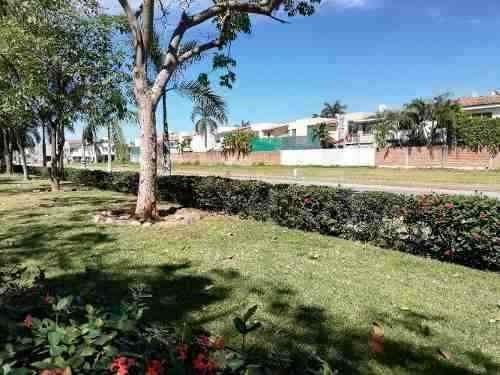 Terrenos Frente A Parque En Fluvial Vallarta