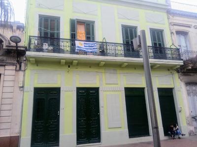 Casa, Perez Castellano En Venta