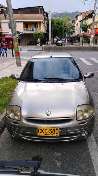 Renault Clio 2002 Clio Full 1.4