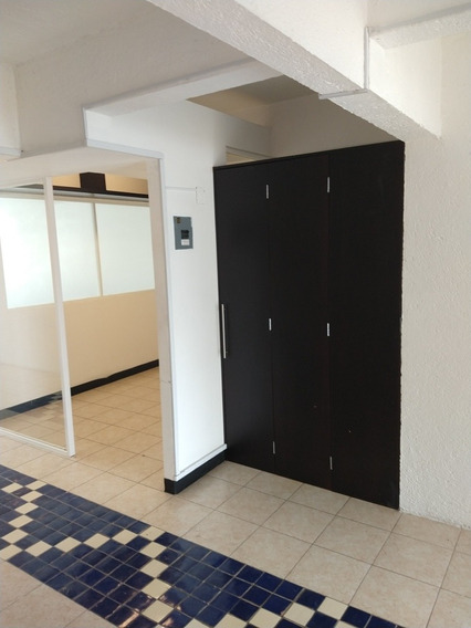 Oficinas 3, Sala De Juntas, Baño. Cubículo,cocineta 100mts2