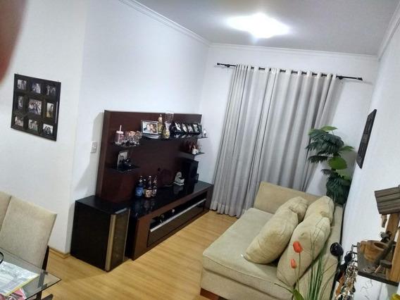 Apartamento - Irajá - 2 Dorm+sala+cozinha+banheiro+garagem