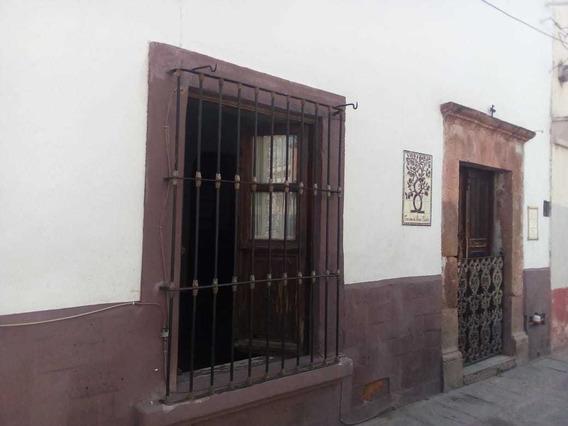 Casa En Venta En El Centro De La Ciudad De Queretaro