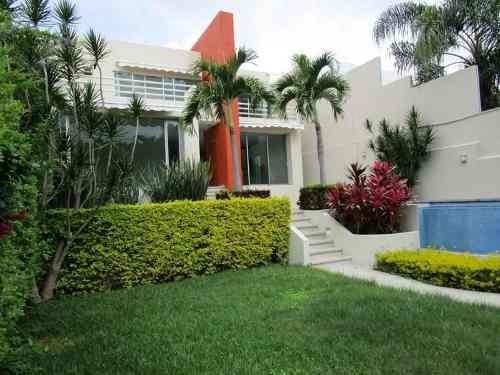 Casa En Venta En Sumiya En Jiutepec Morelos.