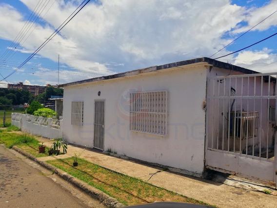 Casa En Venta Urbanización Villa Colombia 200m2