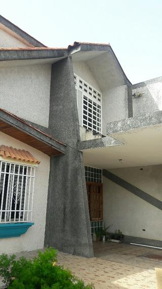 Vendo Amplia Casa Urbanizacion Morro 1 Negociable