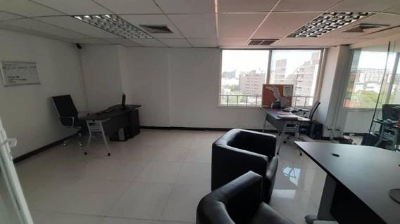 Oficina En Alquiler Del Este Lara 20-813 J&m