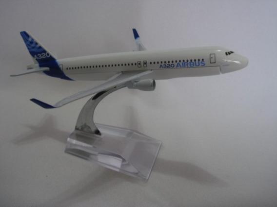 Airbus A320 Avião Miniatura