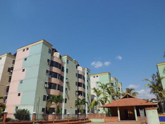 Apartamento En Venta Los Caobos Carabobo 19-7663rp