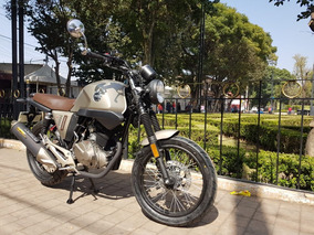 Vento Rocketman Estilo Cafe Racer