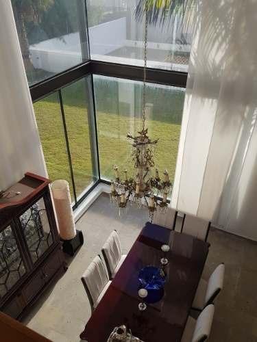 Casa En Venta Con Jardin Vista Al Lago Juriquilla