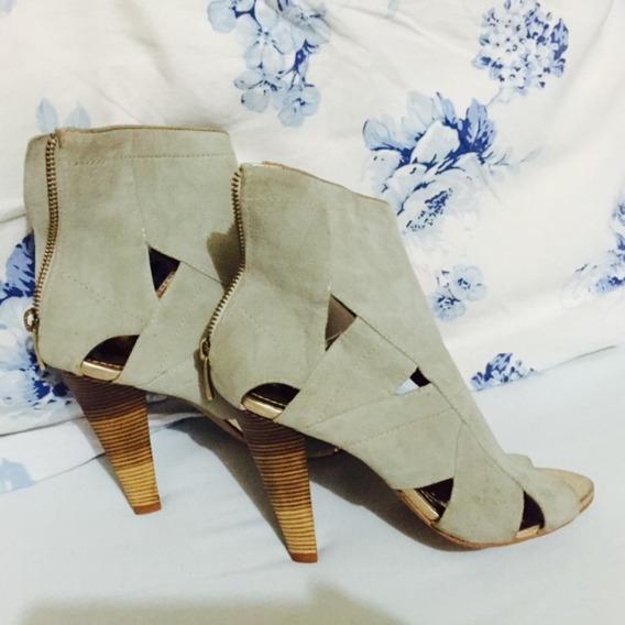 Sapato Zíper 35