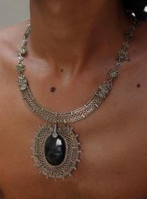 Colar De Filigrana Com Pedra Obsidiana Dourada