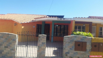 Casas En Venta Cumaná. Tres Picos